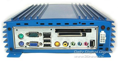 Автомобильный компьютер VIA VoomPC.
