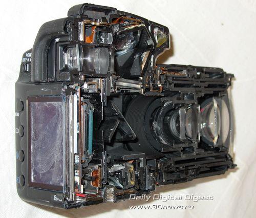 Цифровая зеркальная камера Sony DSLR-A100 в разрезе