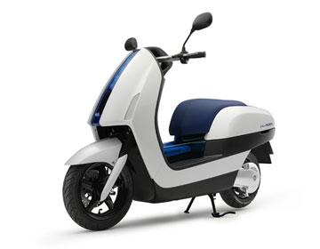 Yamaha FC-AQEL - мотороллер на водородной топливной батарее.
