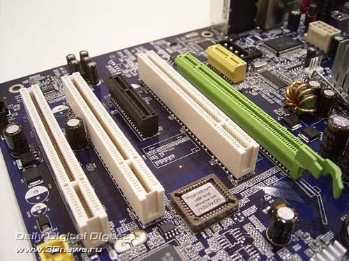 pci express x1. one PCI Express x1,