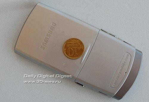 Samsung SGH-U600. Тыльная сторона