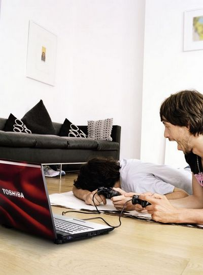 Satellite X200: игровой ноутбук от Toshiba
