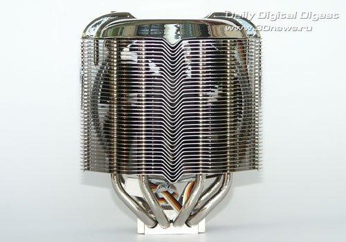 Нижняя часть остается открытой.  Часть воздушного потока через нее обдувает схему питания процессора.