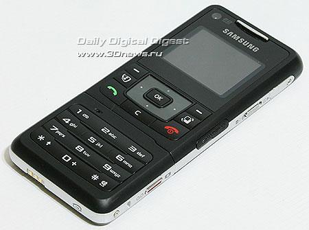 Samsung F500. Вид спереди