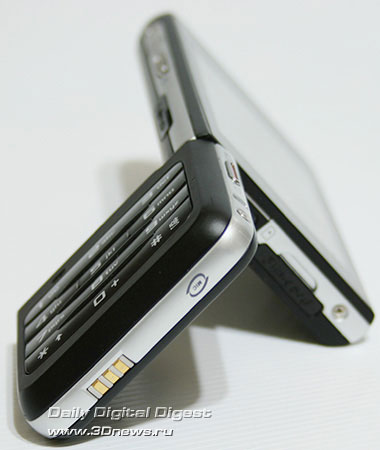 Samsung F500. Вид снизу