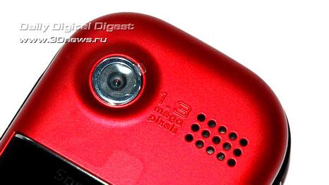 объектив встроенной камеры, динамик