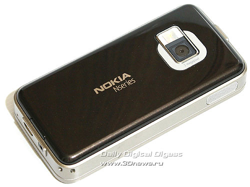 Nokia N81. Вид сзади