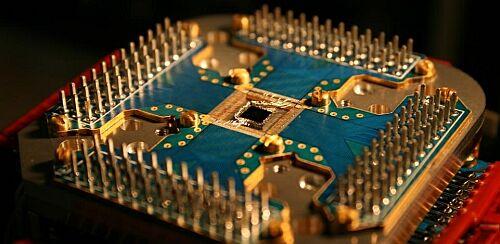 Первая реализация квантового компьютера от D-Wave