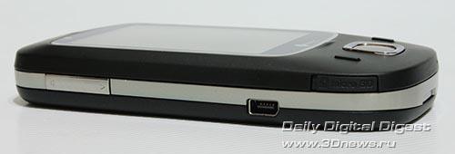HTC Touch Dual. Вид слева.