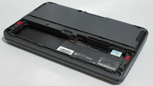 HTC X9500 Shift.  Аккумуляторный отсек, установка карты SIM/USIM