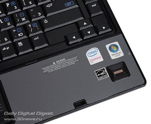 HP Compaq 6910p. Сенсор считывания отпечатков пальцев.
