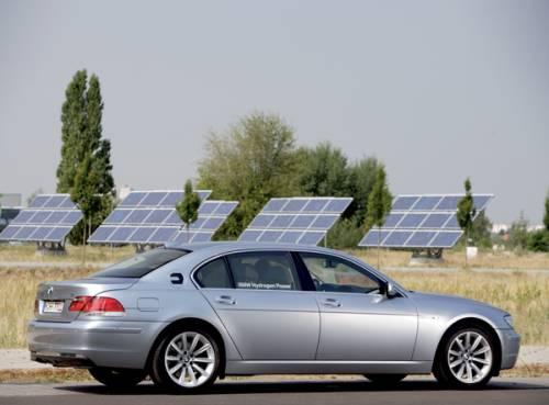 BMW и солнечные батареи - пока порознь