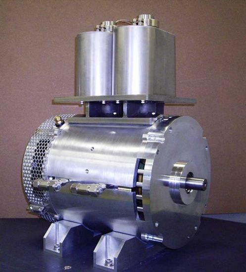 Электродвигатель со сверхпроводимыми катушками