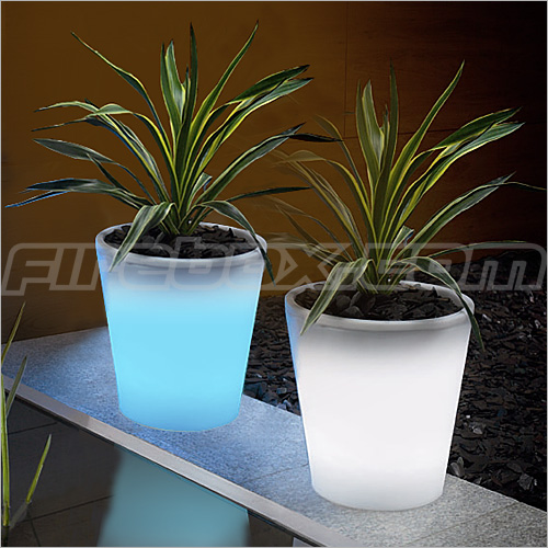 Solar_Powered_Plant_Pot