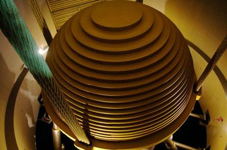 Гигантский шар спасет самый высокий в мире небоскреб от землетрясений
