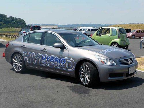 Новый гибридный автомобиль от Nissan