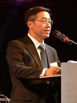 Президент телекоммуникационного подразделения Samsung Джи Санг Чой