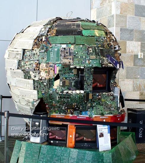 IDF SF 2008: гигантская голова