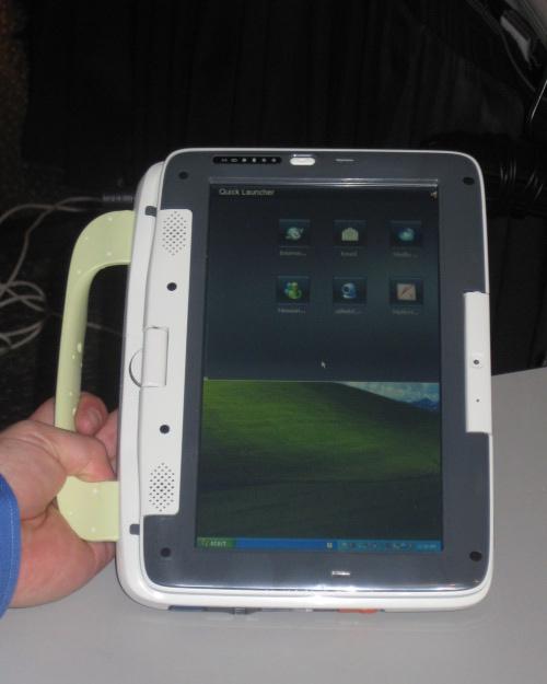 IDF SF 2008: Classmate PC превратился в планшет с сенсорным дисплеем