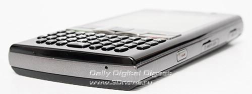 Samsung SGH i780. Вид снизу