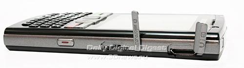 Samsung SGH i780. Вид справа