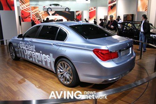 Семёрка BMW с гибридным двигателем