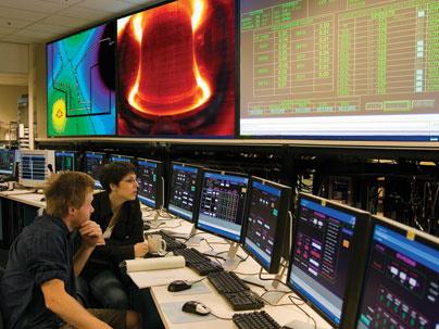 Реактор Alcator C-Mod, используемый в MIT для изучения процессов термоядерного синтеза
