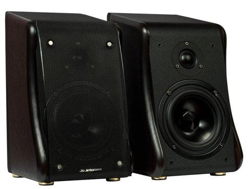 Управление общей громкостью акустической системы, громкостью сабвуфера, а также режимом.