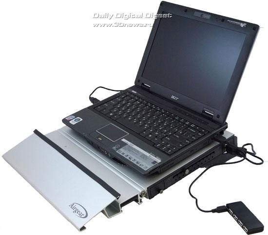 Floston Airgear с установленным и подключенным ноутбуком Acer