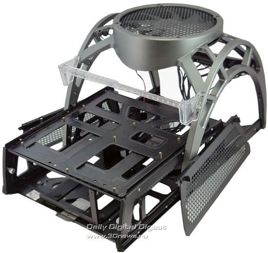 Корпус Antec Skeleton в разборе - выдвинут базовый блок, отстегнуты боковые панели