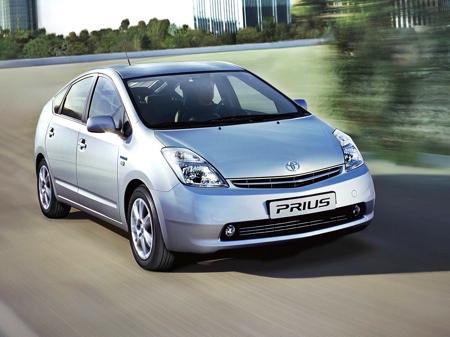 Toyota Prius попал в тройку самых продаваемых машин мира