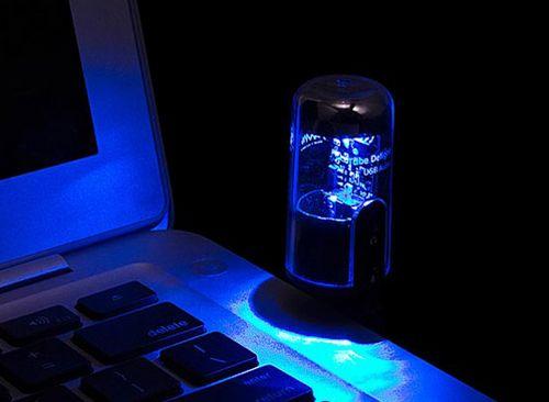 Гаджет представляет собой звуковую карту для ноутбука с подключением по USB в виде электронной вакуумной...