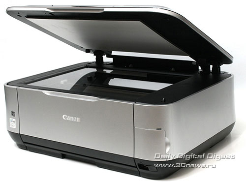 Canon PIXMA MP640. Вид общий. Открыта и приподнята крышка сканера