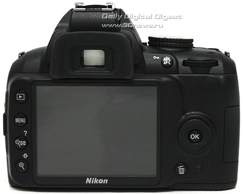 Nikon D3000. Вид сзади