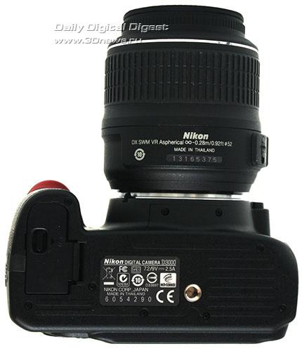 Nikon D3000. Вид снизу