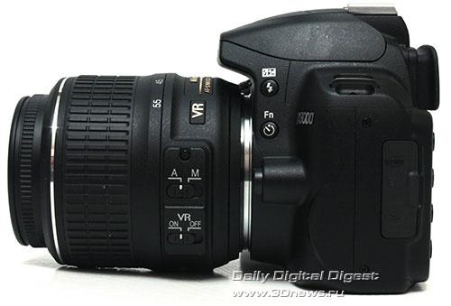 Nikon D3000. Вид слева
