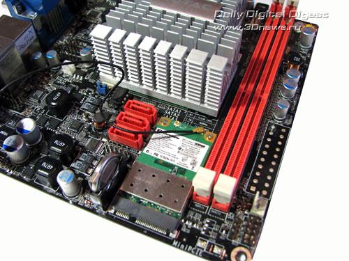 Материнская плата Zotac IONITX-A-E на чипсете NVIDIA ION.