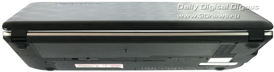 Lenovo IdeaPad U350. Вид сзади
