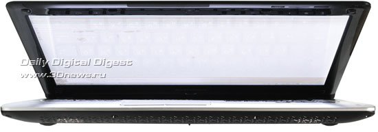 Lenovo IdeaPad U350. Вид спереди