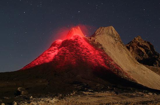 Фото недели: извержения вулканов в объективе фотокамеры