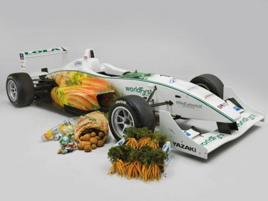 Группа британских инженеров создала гоночный автомобиль из овощей, который заправляется топливом из растительного...