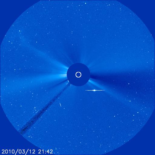 Фото дня: уникальные кадры столкновения кометы с Солнцем