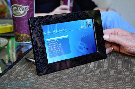 Прототип 7-дюймового стереоэкрана от i3D