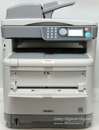 OKI  MC360. Вид спереди. Открыт лоток подачи конвертов