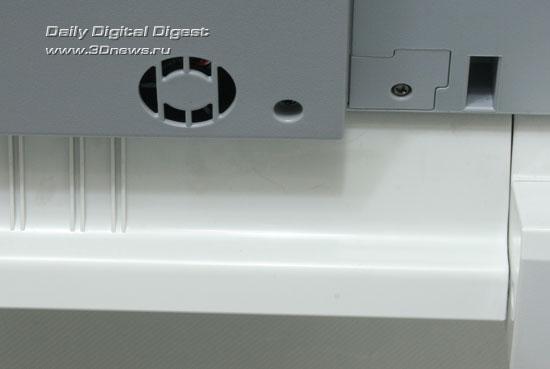 OKI  MC360. Кулер на днище сканера