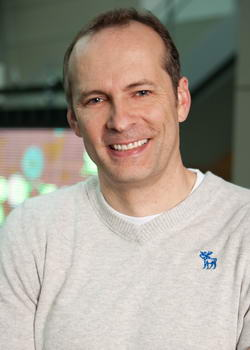 Создатель Xbox и Zune покинет Microsoft? Todd_Holmdahl