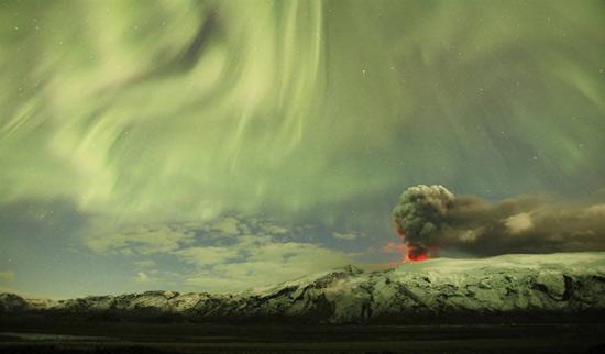 http://www.3dnews.ru/_imgdata/img/2010/08/06/596326/ss-100804-aurora-borealis-02.ss_full.jpg