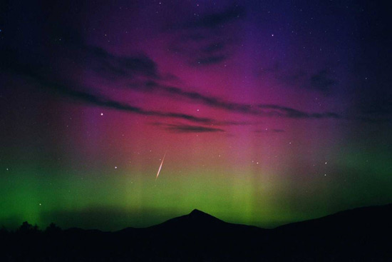 http://www.3dnews.ru/_imgdata/img/2010/08/06/596326/ss-100804-aurora-borealis-05.ss_full.jpg