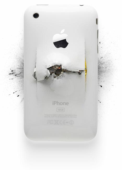 Продукты Apple после уничтожения их Майклом Томпертом