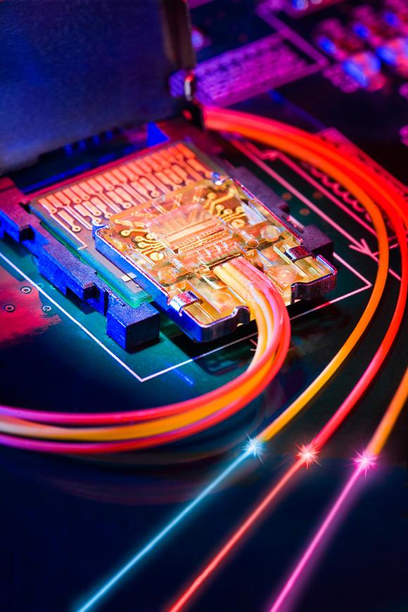 Корпорация Intel обозначила ориентировочные сроки коммерциализации новой технологии передачи информации...